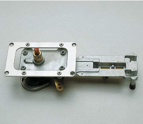 Control mechanism for side mounting - image
